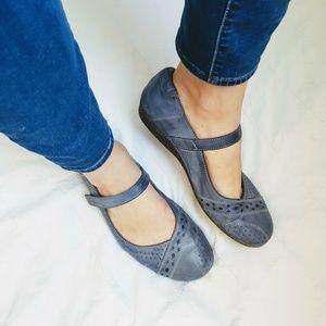 feea109ec Taos Step It Up Mary Jane Shoes Blue Leather Flats